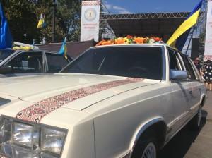 Патриотический автомобиль на вышиванковом фестивале в Одессе 2015