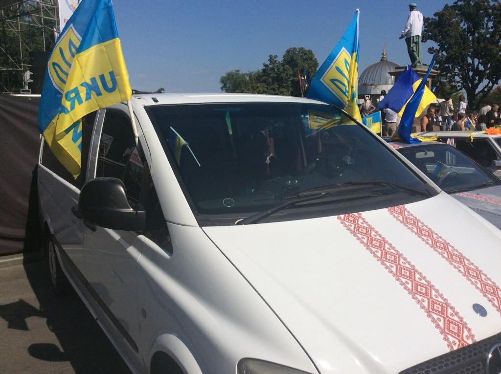 Патриотическое авто на вышиванковом фестивале в Одессе 2015
