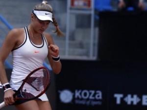 tennissistka_is_Odessi_vishla_v_chetvertfinal_turnira_v_Tailande